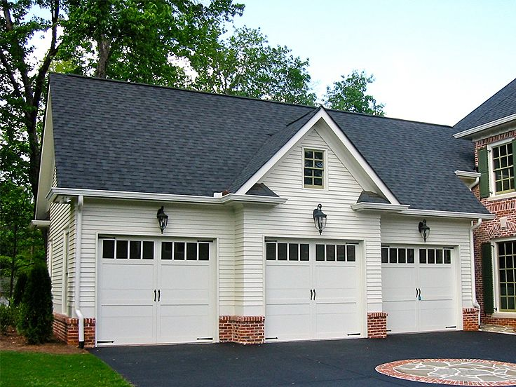 Carriage house plans 3 car garage apartment plan 053g for Carriage garage plans